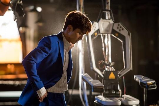 《不是機器人啊》公開俞承豪劇照 西裝筆挺成熟性感