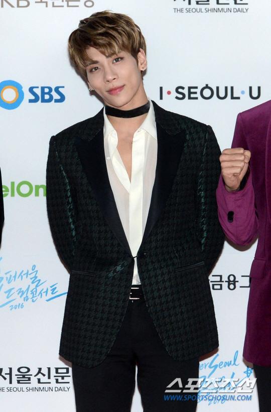 SHINee鐘鉉因抑鬱症離世 摯友受委託公開遺書