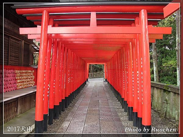 三光稻荷神社--鳥居隧道