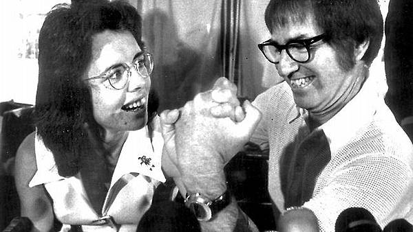 223121-billie-jean-king-and-bobby-riggs.jpg