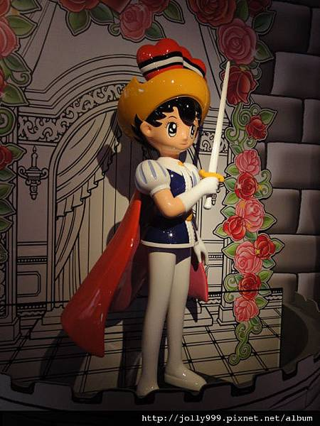 寶馬王子的大型塑像.JPG