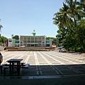 中心廣場與游泳池