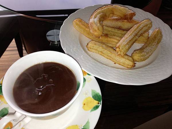 Homemade Chocolate con Churros 2