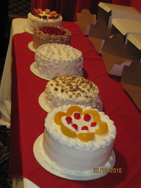 5 cakes for IDEAL Realty 2.jpg