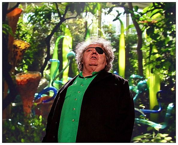 dale_chihuly_at_ted.jpg