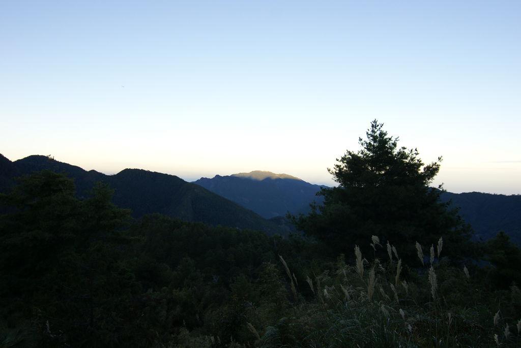 天亮了~下山了