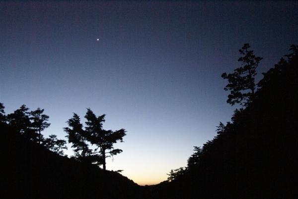 清晨5點向陽山屋的展望