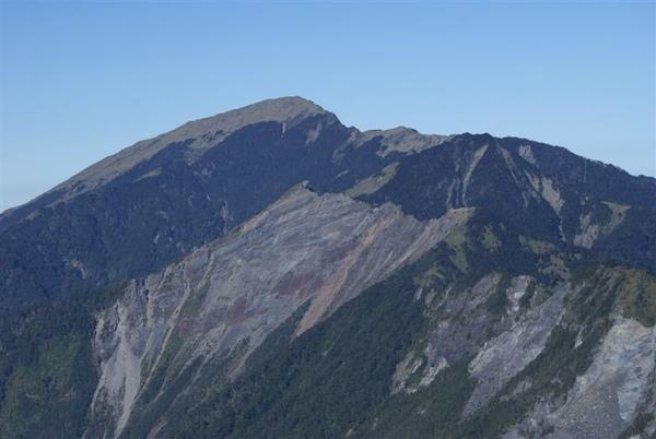 最高的是關山~再來是鷹仔嘴山~塔關山~關山嶺山~