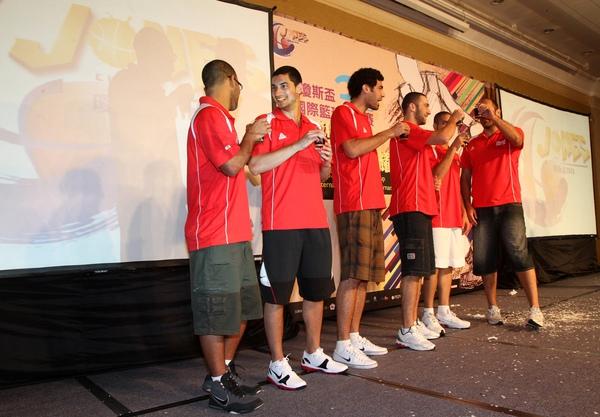 黎巴嫩代表隊隊員猜中終極密碼喝幸運苦茶