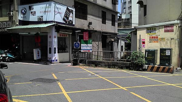 後站走法(2):走到底竹蓮地下道旁。