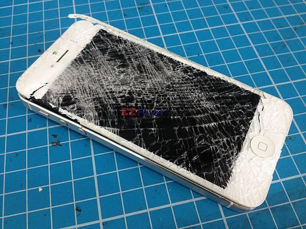 iphone5:工地八樓跳下