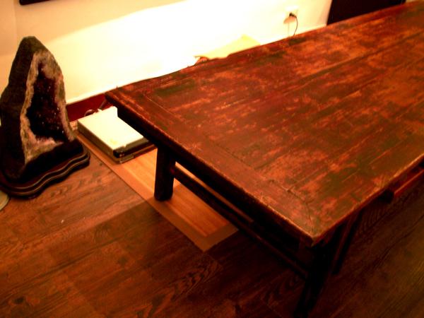 desk-1s.jpg