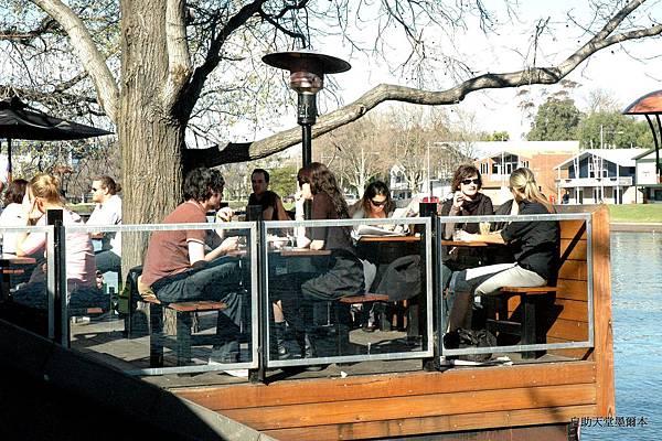 22亞拉河畔的咖啡座.jpg
