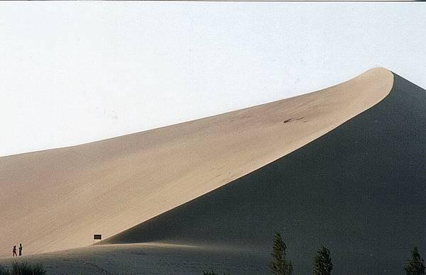 24.絲路敦煌鳴沙山也是會唱歌的沙山.jpg