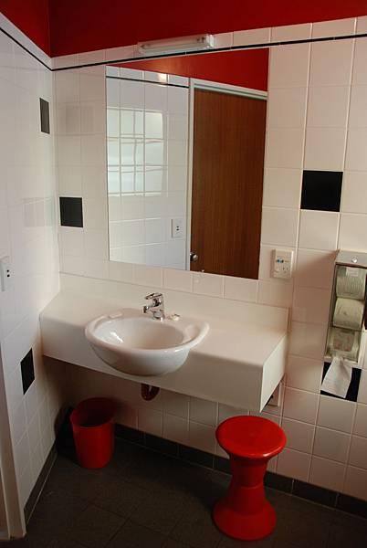 (一)(3)(B)(b)露營地廁所比家裡還乾淨.JPG