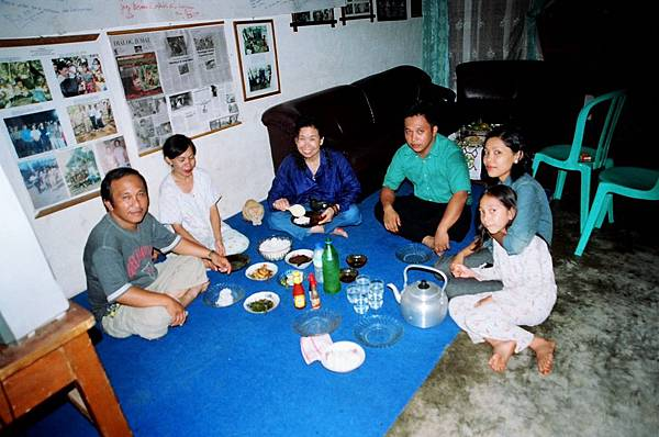 3.Budhi家的晚餐.jpg