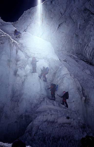 D-23第二營開始往上爬的大冰壁.jpg