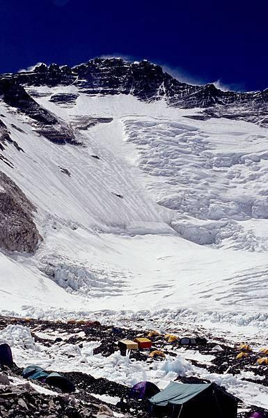 D-25第二營正前方是世界第四高峰洛子峰.jpg