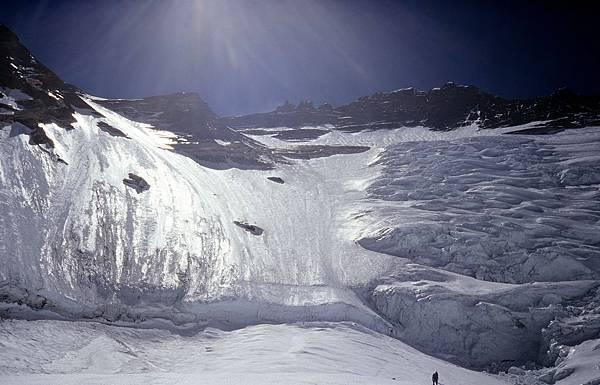 D-28洛子峰冰壁.jpg