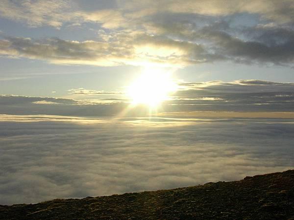 二4Fm像極了正午烈日的午夜太陽.JPG