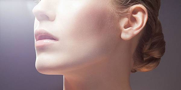 landscape-1452880503-skincare-woman-index.jpg