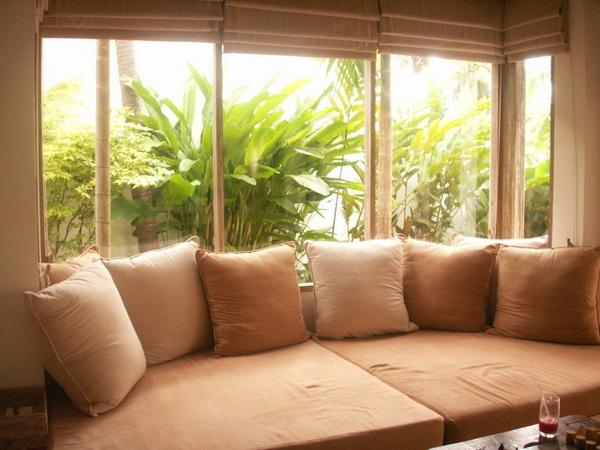 客廳超大的daybed