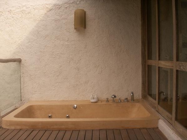陽台再來一個浴缸
