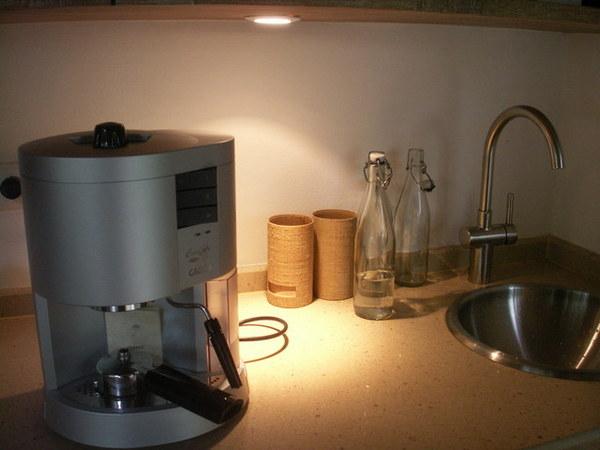 再看一次電動咖啡機