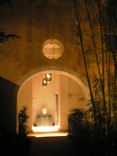 紅鶴餐廳迴廊夜色