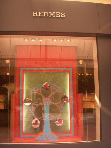文華東方酒店愛瑪仕櫥窗