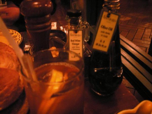 紅鶴餐廳餐桌佐料