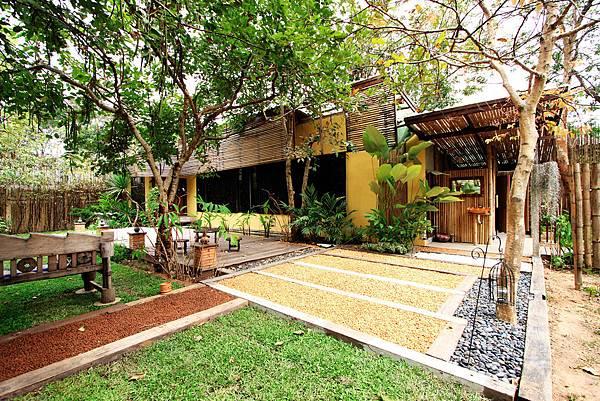 Lom laeng Villa