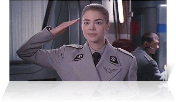 denise-richards-as-carmen-ibanez-in-starship.jpg