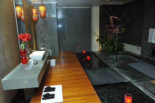 寬敞的衛浴間