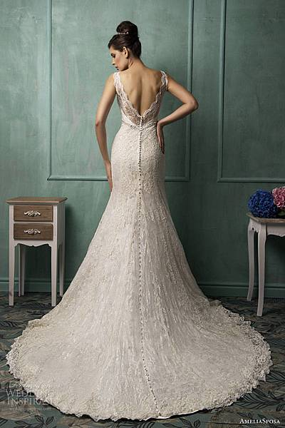 amelia-sposa-bridal-2014-bianca-sleeveless-wedding-dress-back-train.jpg