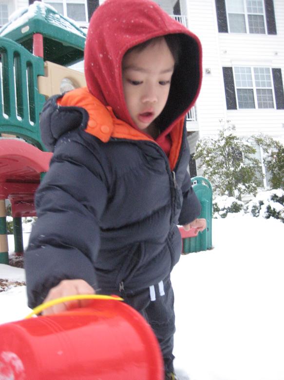 20091205-first snow12s.jpg