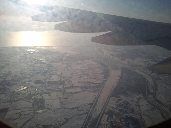 機艙外的Korea 一片雪白 (1).jpg