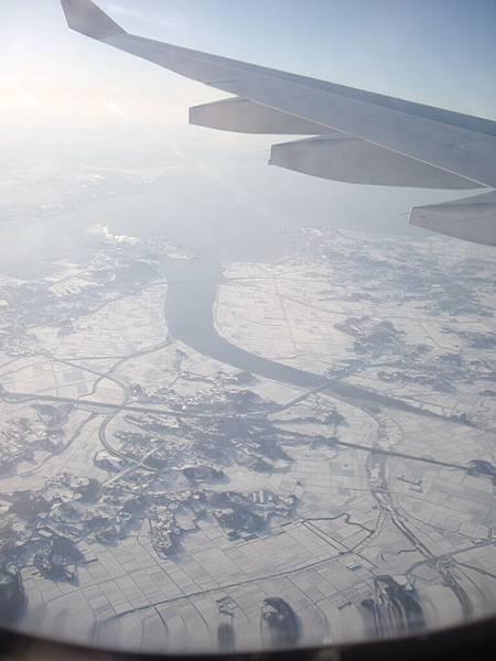 機艙外的Korea 一片雪白 (4).jpg