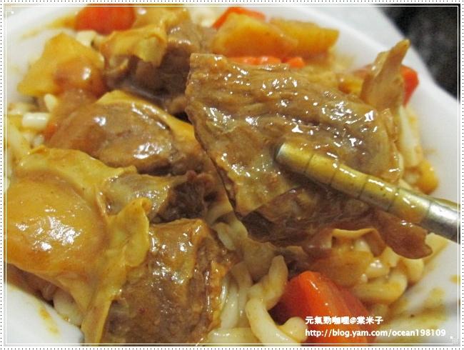 豬肉咖哩麵2.JPG