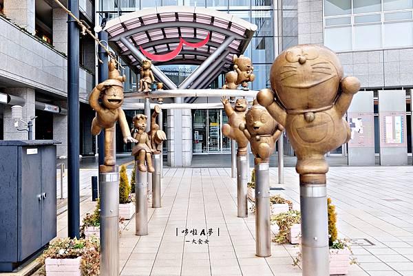 日本富山高岡旅遊-哆啦A夢散步道