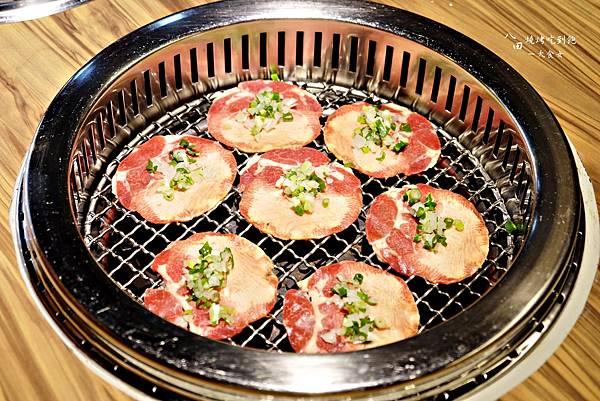 東區美食-八田頂級帝王蟹鍋物燒烤吃到飽(市民店)