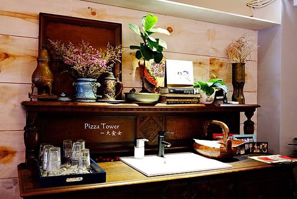 新店美食-披薩斜塔