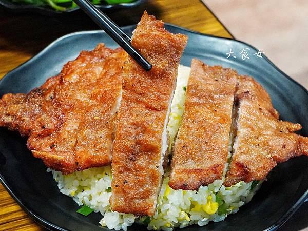 台北美食 鴻富麵食館 六張犁美食