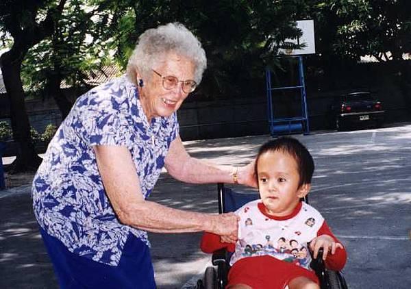 1985年後,喜樂保育院開始服務智障兒童