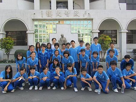 一年九班同學至院服務