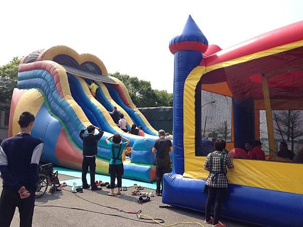 大型氣墊遊樂設施體驗活動