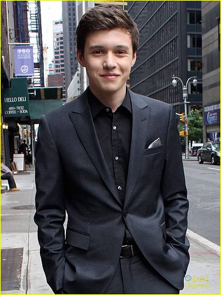 nick-robinson-david-letterman-appearance-watch-now-03