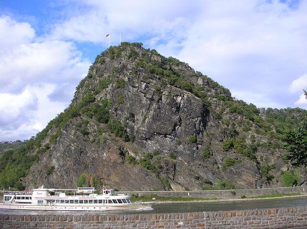 蘿蕾萊巨岩