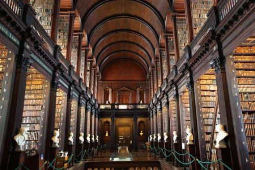 聖三一學院古圖書館