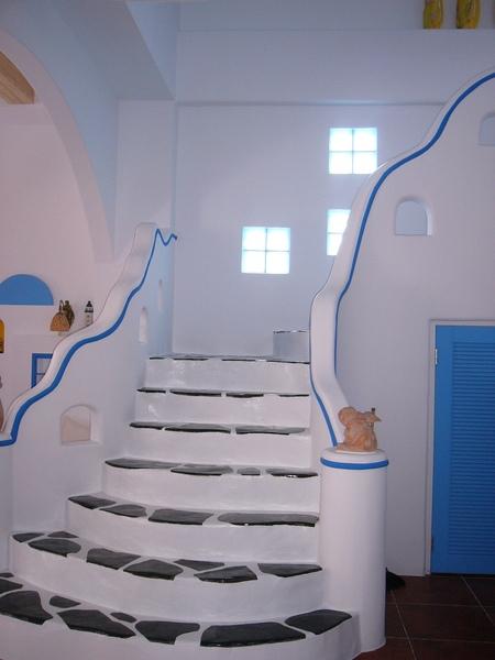 一樓往二樓的樓梯